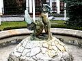 """Legnica, fontanna """"Chłopiec z Łabędziem"""" przed Nowym Ratuszem(Aw58).JPG"""