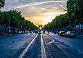 Les Champs Elysées et l'Arc de Triomphe - Paris - 6 juin 2014 (cropped).jpg