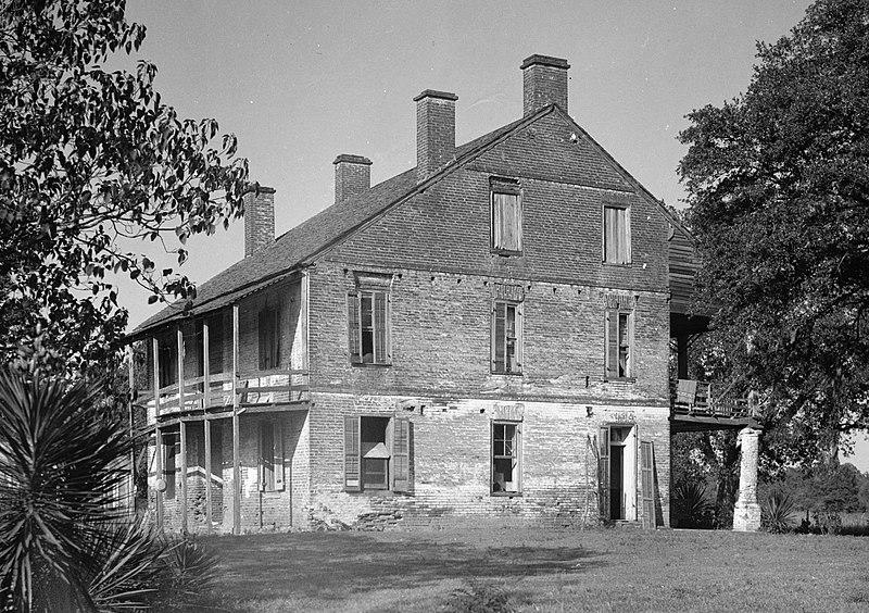 File:Live Oak Plantation House.jpg