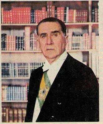 Emílio Garrastazu Médici - Image: Médici na Biblioteca do palácio