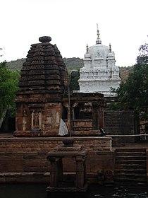 Mahakuta group of temples at Mahakuta.jpg