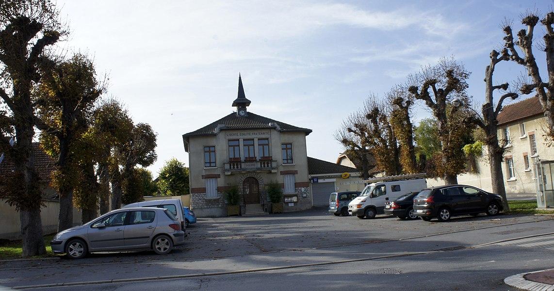 Vue de la Mairie_de Taissy.