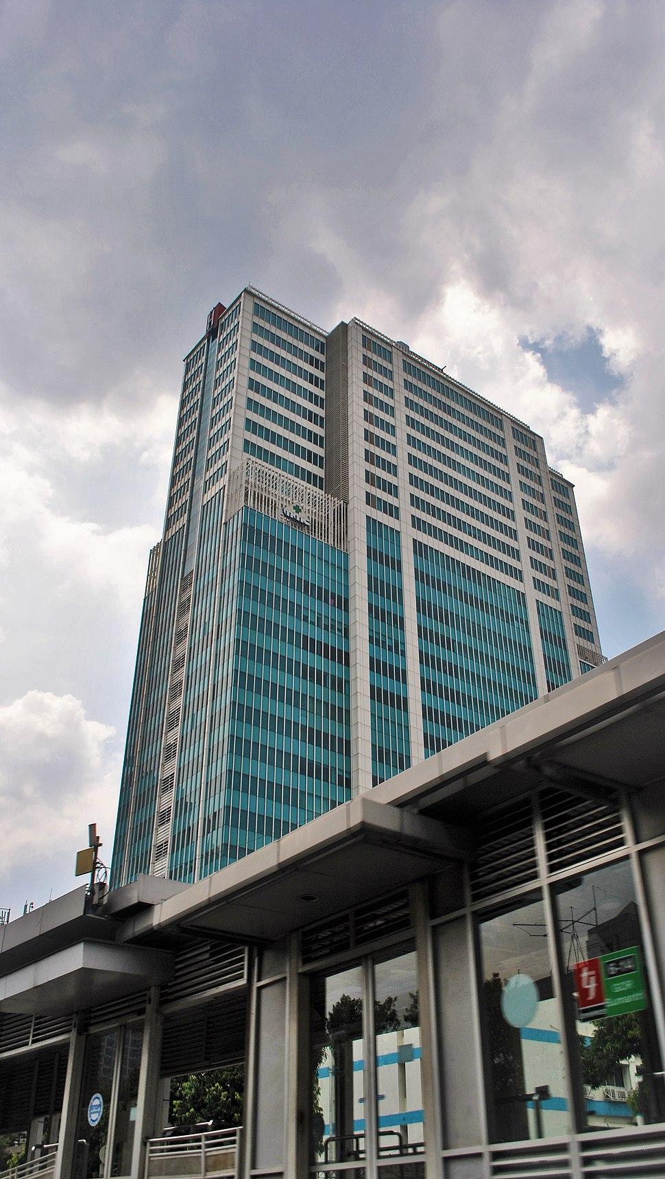Menara H (30490188105)