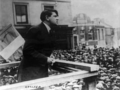 Michael Collins addressing crowd in Cork cph.3b15295.jpg