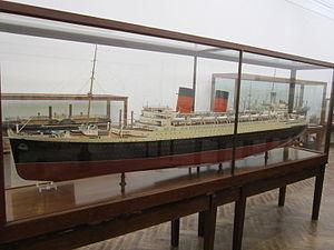 Model of RMS Mauretania (1938), Williamson Art Gallery.jpg