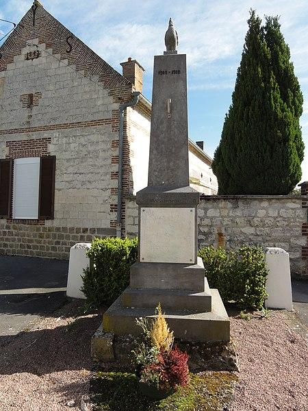 Monceau-le-Waast (Aisne) monument aux morts