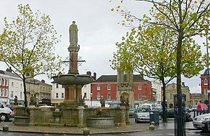 Devizes - Image: Monument and Fountain, Market Square, Devizes geograph.org.uk 1022953