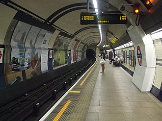Mornington Crescent tube station - Image: Mornington Crescent stn southbound look south