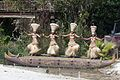 Mozas danzando na Polinesia de Port Aventura. Cataluña 315.jpg