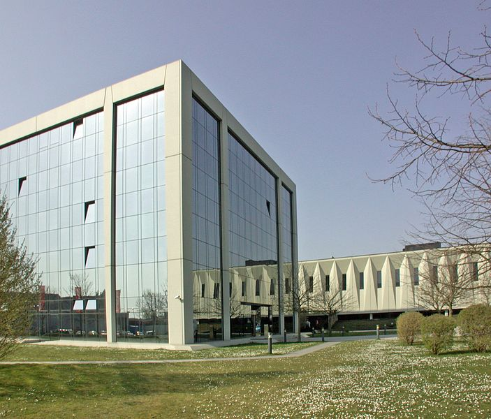 File:Mundipharma Zentrale.JPG