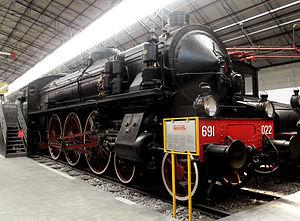 Italiano: Locomotiva gruppo 691 delle Ferrovie...