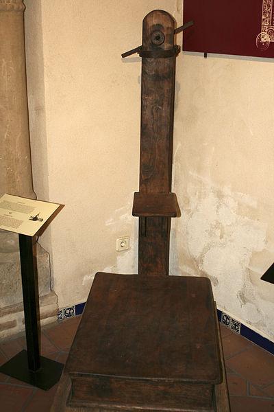 Instrumentos  de tortura reales 400px-Museo_de_la_Tortura_Toledo_01
