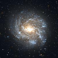 NGC 2082 Hubble WikiSky.jpg