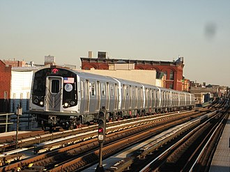 J/Z (New York City Subway service) - A Z train of R160s at Kosciuszko Street.