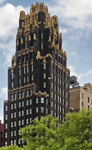 Eliel Saarinen's Tribune Tower design - Image: NYC American Radiator Building