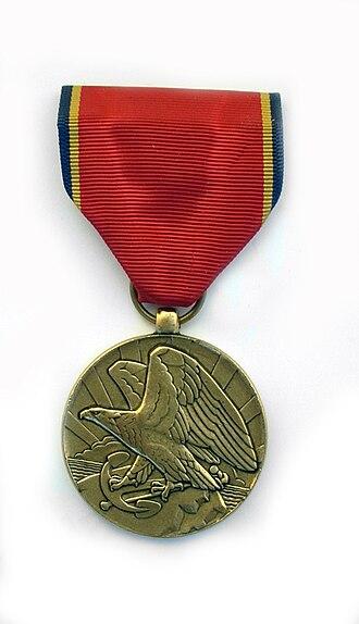 Naval Reserve Medal - Image: Naval Reserve Medal front