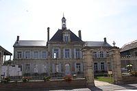Neuflize - la Mairie - Photo Francis Neuvens lesardennesvuesdusol.fotoloft.fr.JPG