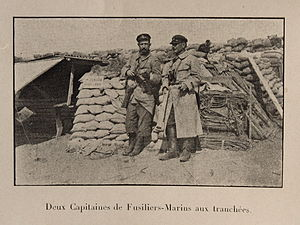 Battle of the Yser - Image: Nieuport 1915 2 capitaines de fusiliers marins aux tranchées