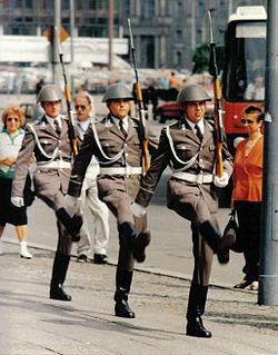 Soldats de l'ex Nationale Volksarmee