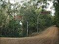 O acesso a rampa natural para decolagem de Asa Delta e Paraglider se dá por dois caminhos, através da cidade de Campos do Jordão, pela estrada que sai do bairro de Jaguaribe e vai até a Pedra do Baú, (12 - panoramio.jpg