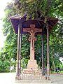 Offenburg, Heilig-Kreuz-Kirche, Christus am Kreuz (aussen) 1.jpg