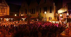 """Open-Air """"Live am Marktplatz"""" auf dem historischer Marktplatz von Krumbach (Schwaben)"""