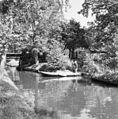 Overzicht gracht met brug en boerderij - Giethoorn - 20350539 - RCE.jpg