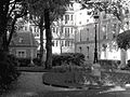 P1330743 Paris V rue du Val-de-Grace N7-9 bw pavillon rwk.jpg