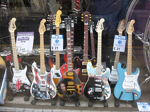 Painted miniature models of guitars - GM Music