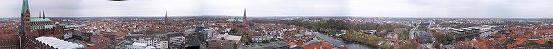 File:Panorama Lübeck.jpg