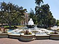 Patsy and Forrest Shumway Fountain, USC.jpg