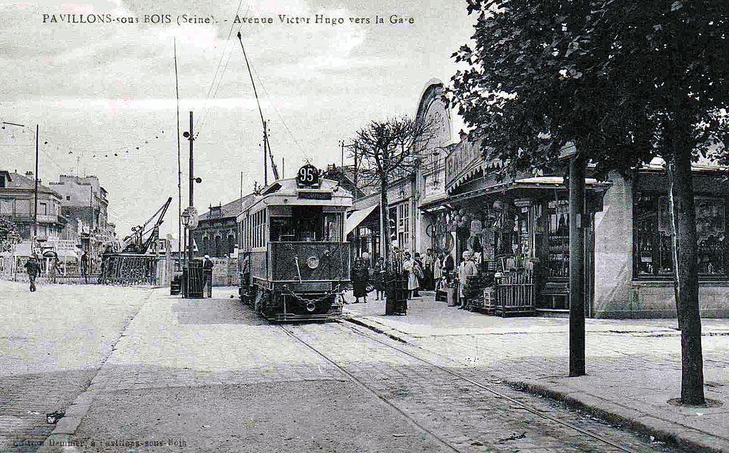FilePavillonssousBois  Avenue VictorHugo vers la Gare  ~ Victor Hugo Fontenay Sous Bois