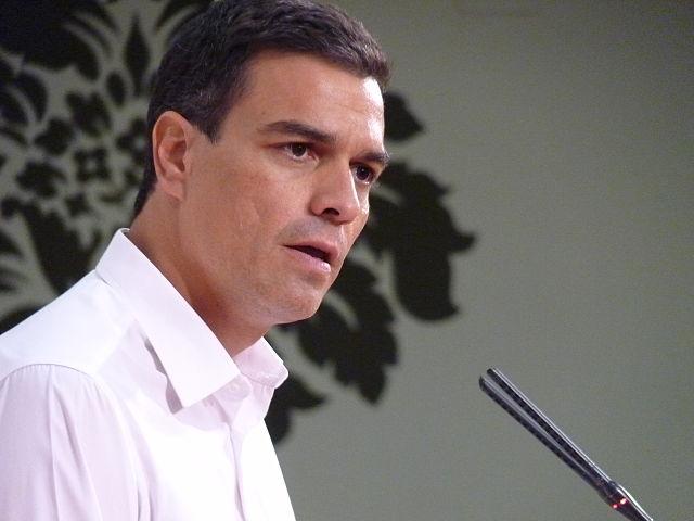 Премьер-министр Испании отрицает обвинения в плагиате