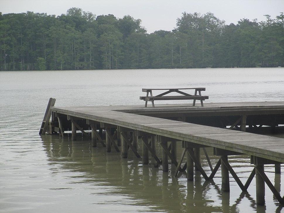 Picnic table on the dock, Lake Providence, LA IMG 7405