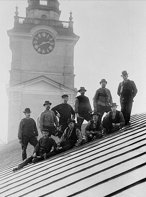 Tinsmith - Tinsmiths on the roof of Storkyrkan, Stockholm 1903.