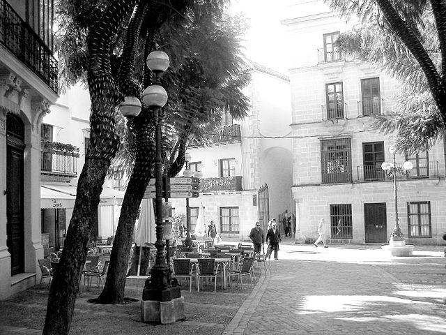 Fotos o Imagenes en Blanco y Negro 640px-Plaza_de_la_Yerba_Jerez_blanco_y_negro