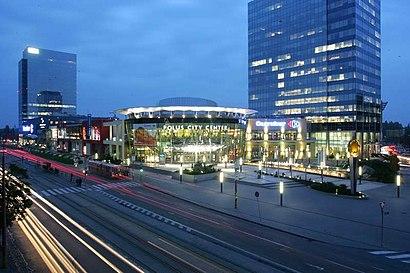 Ako do Polus City Center hromadnou dopravou - O mieste