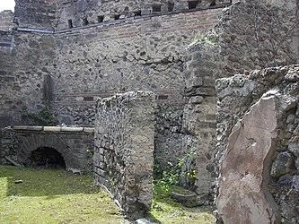 Pompeii building 13.jpg