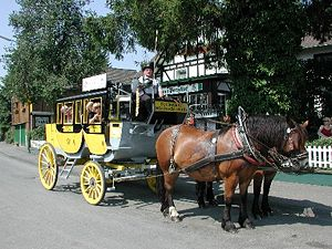 Wiehl - Oberbergische stagecoach with the hold at the pony hotel in Hübender