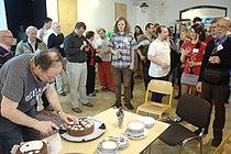 Praha, 15 let české Wikipedie, čekání na dort.jpg