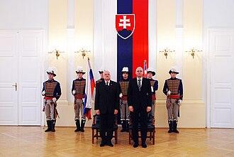 Slovak Armed Forces - Image: Prezident udelil štátne vyznamenania 15. osobnostiam (14)