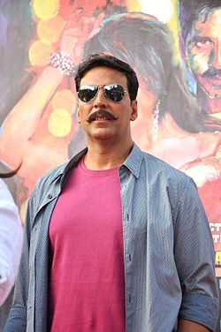Promotional rickshaw race for 'Rowdy Rathore' (15).jpg
