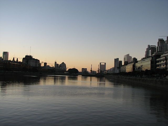 Puerto Madero, Buenos Aires By Dwaszuk (Own work) [CC BY-SA 4.0 (https://creativecommons.org/licenses/by-sa/4.0)], via Wikimedia Commons