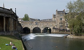 Pulteney Bridge Bath wide view.jpg