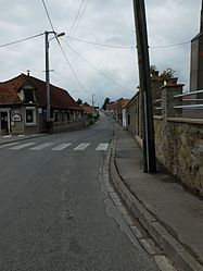 The main road of Quesques
