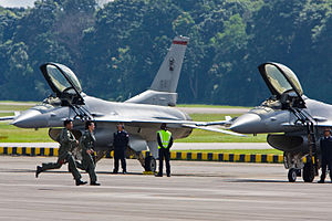 140 Squadron, Republic of Singapore Air Force - Image: RSAF F 16´s preparing to scramble