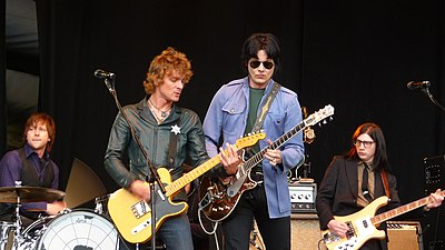 Picture of a band or musician: The Raconteurs