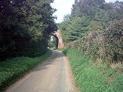 Railway Bridge,Bramfield - geograph.org.uk - 238109.jpg