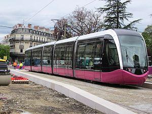 Dijon tramway - Image: Rame tramway Dijon 2012