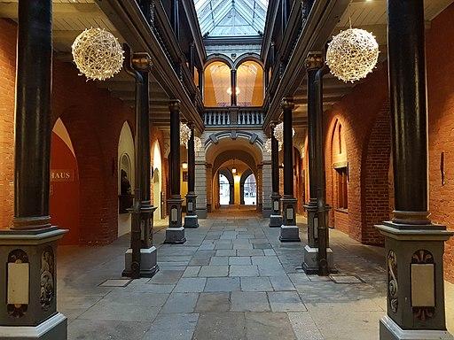 Rathaus Stralsund (26086314897)